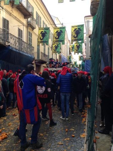 The final aranceri leaving the piazza